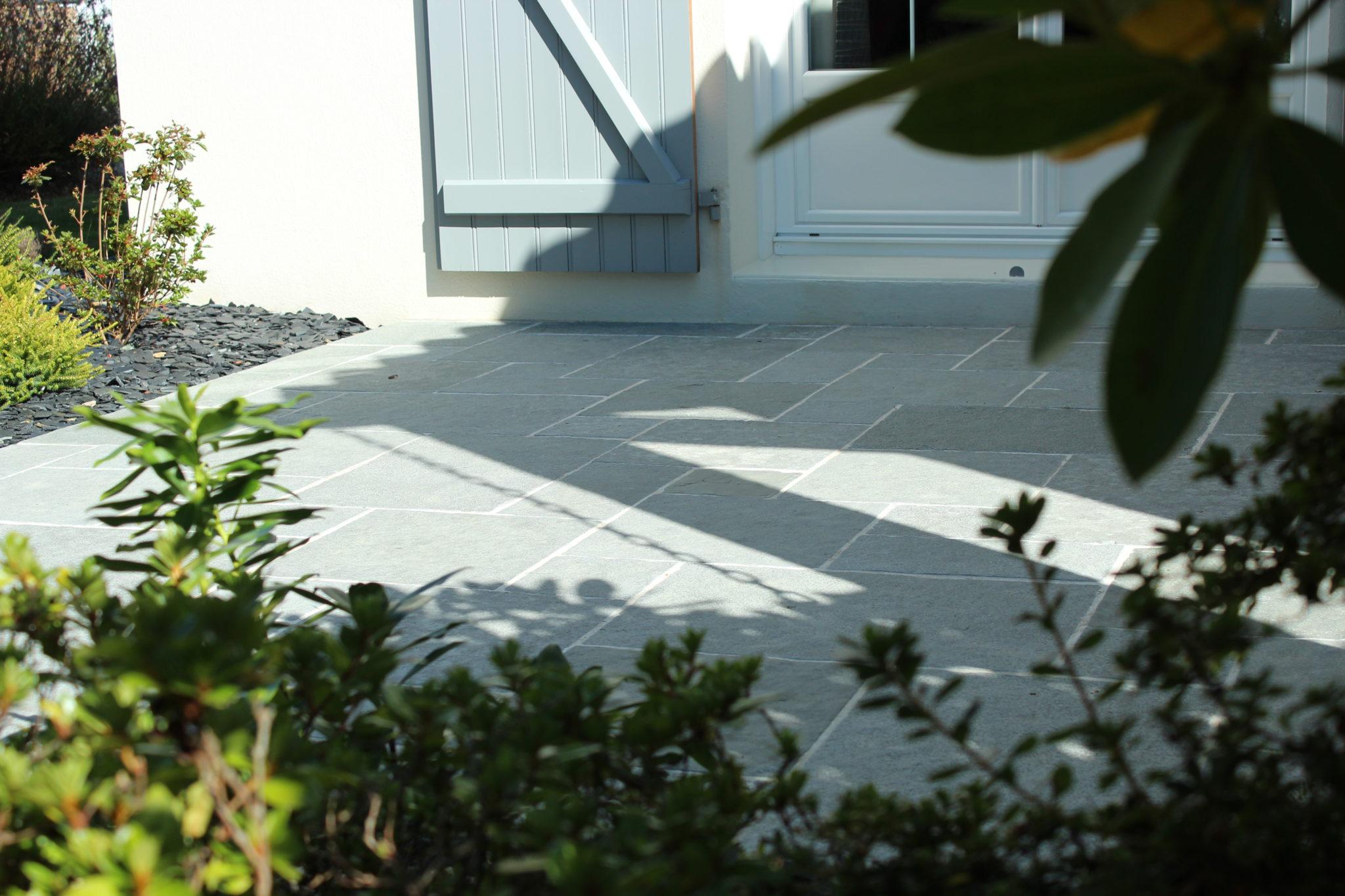 Dallage et pavage marmin paysage for Entretien jardin vendee
