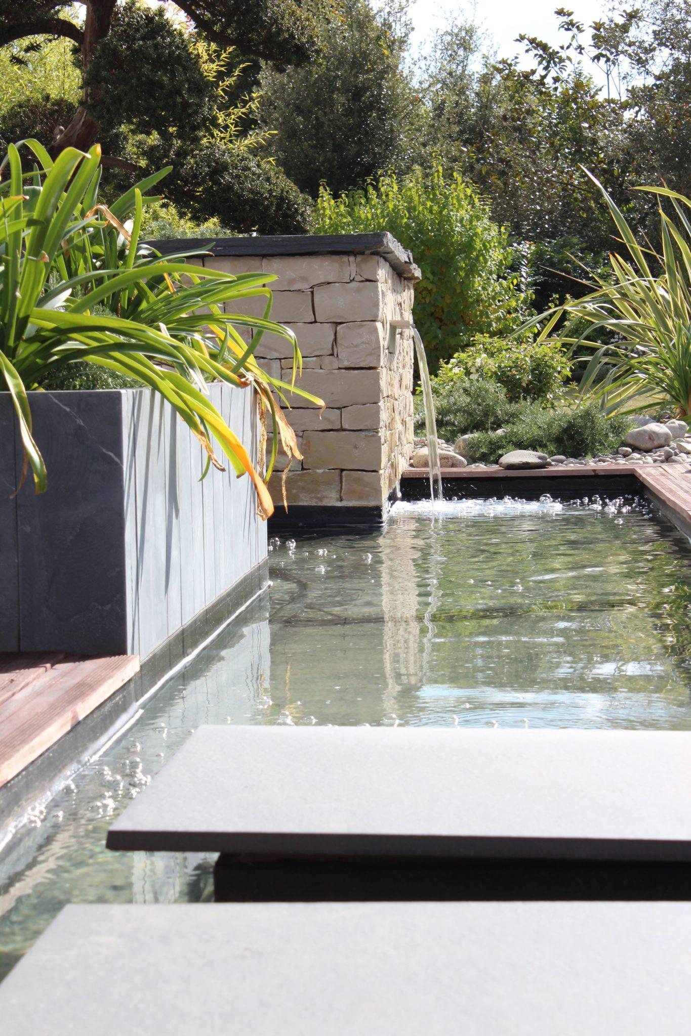 Bassin et jeux d eau marmin paysage for Entretien jardin vendee
